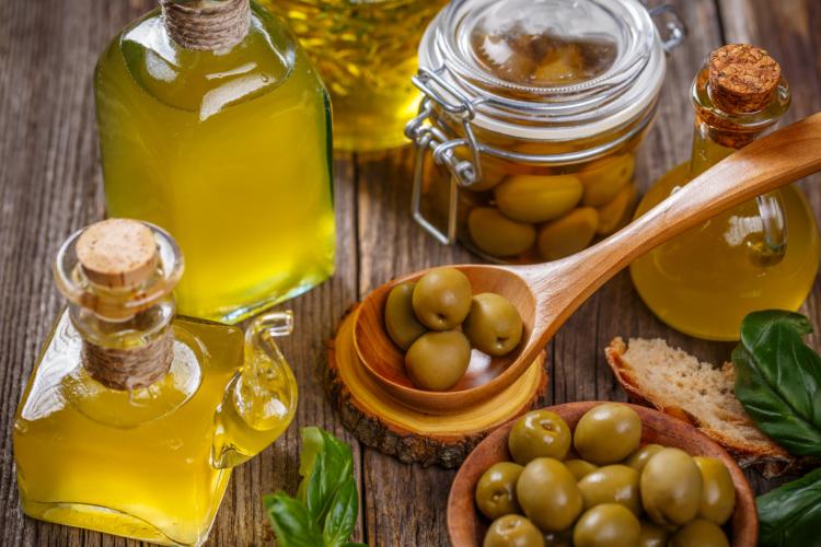 frisch gepresstes Olivenöl