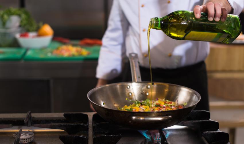 Kochen mit Sojaöl Asia